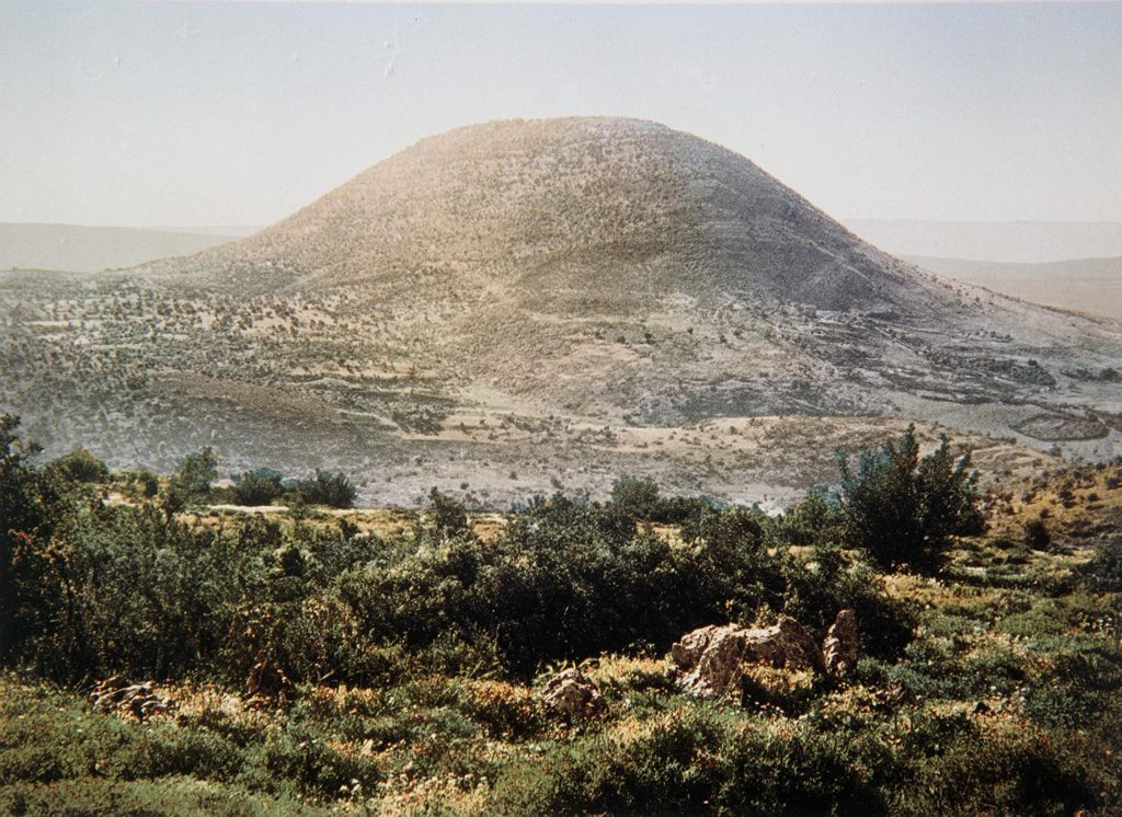 COLOR PHOTO OF MOUNT TABOR TAKEN IN THE LATE 19TH CENTURY BY FRENCH PHOTOGRAPHER, BONFILS.  צילום צבע מסוף המאה ה19 של הצלם הצרפתי בונפיס אשר תעד במצלמתו את נופי ארץ        ישראל ותושביה. בצילום, הר התבור.